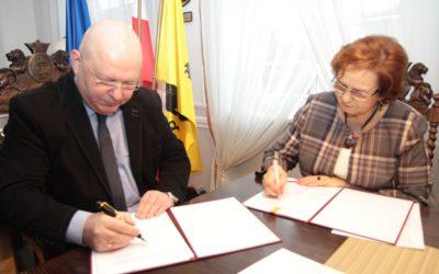 Podpisanie umowy –  realizacji usług społecznych w powiecie kartuskim.
