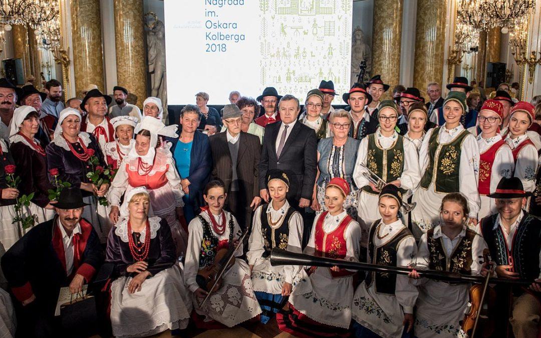 """Kaszubski Zespół Pieśni i Tańca """"Sierakowice"""" laureatem Nagrody im. Oskara Kolberga """"Za zasługi dla kultury ludowej"""""""